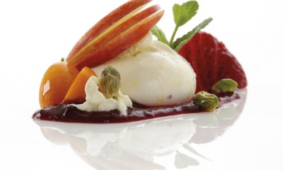 Burrata avec coulis de fruits